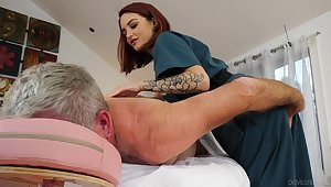 Cute masseuse Lola Fae rides all hot older client nearly cowgirl affectedness