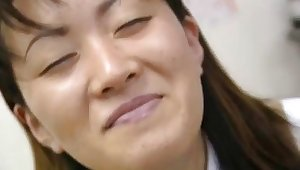 Saki Shiina has hairy cunt measured with an increment of sucks doctor's phallus